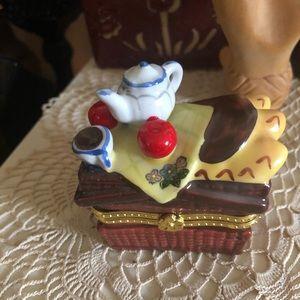 Porcelain Hinged Trinket Box